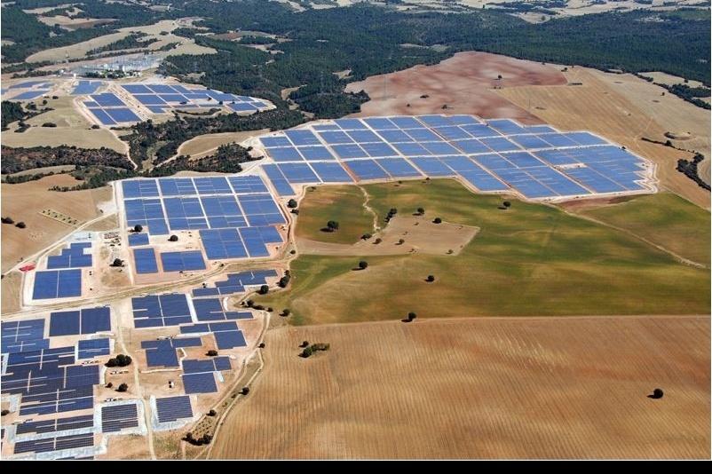 OLMEDILLA - A világ legnagyobb napelemfarmjának egyike