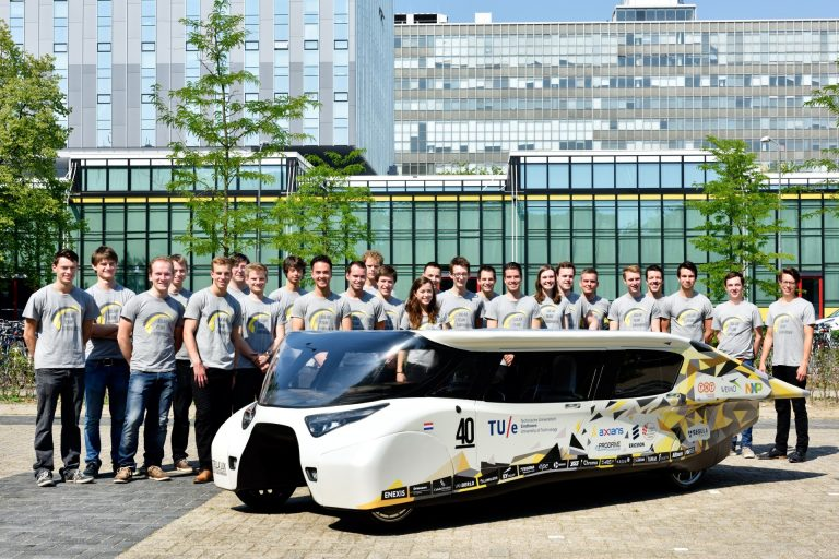 Solar Team - energia termelő autó